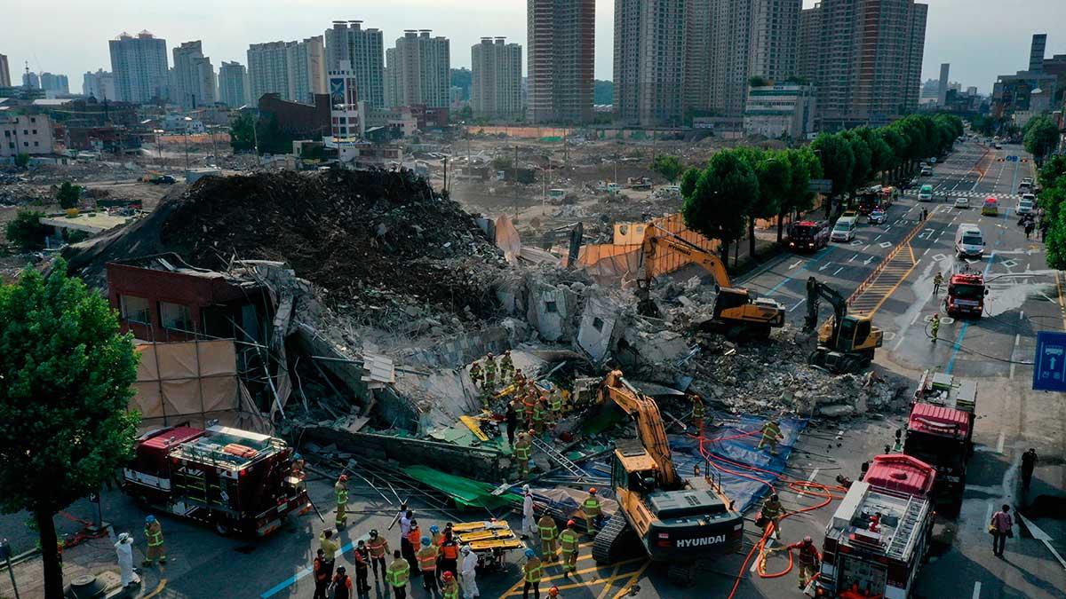 Edificio de cinco pisos cae sobre autobús en Corea del Sur - Uno TV