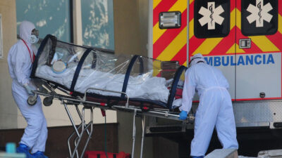 Bajan hospitalizaciones por COVID-19
