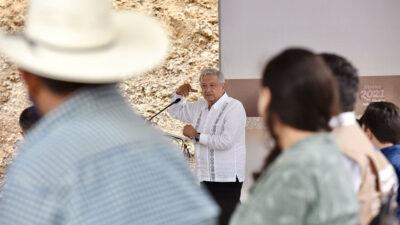 López Obrador carretera Oaxaca-Puerto Escondido