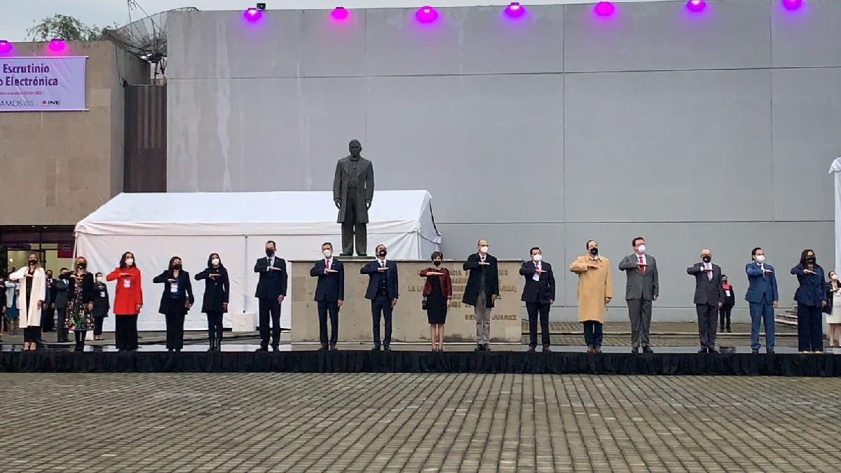 Elecciones México 2021: Con honores a la bandera, INE arranca jornada