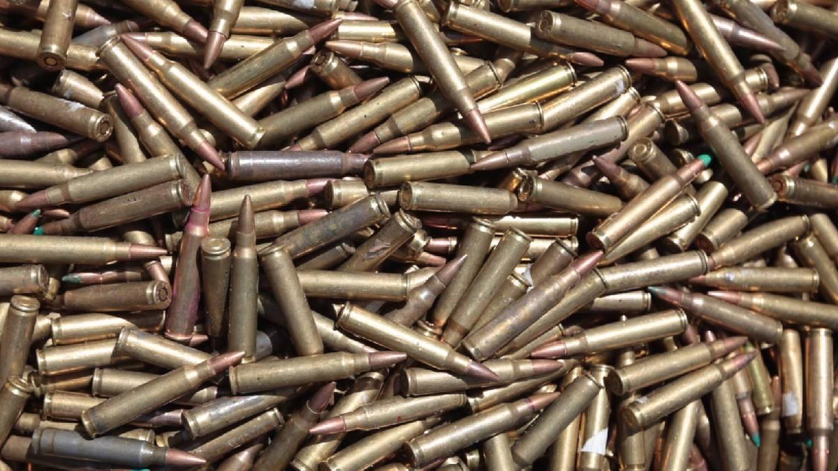 Guanajuato: Grupo armado roba dos tráileres cargados con cartuchos