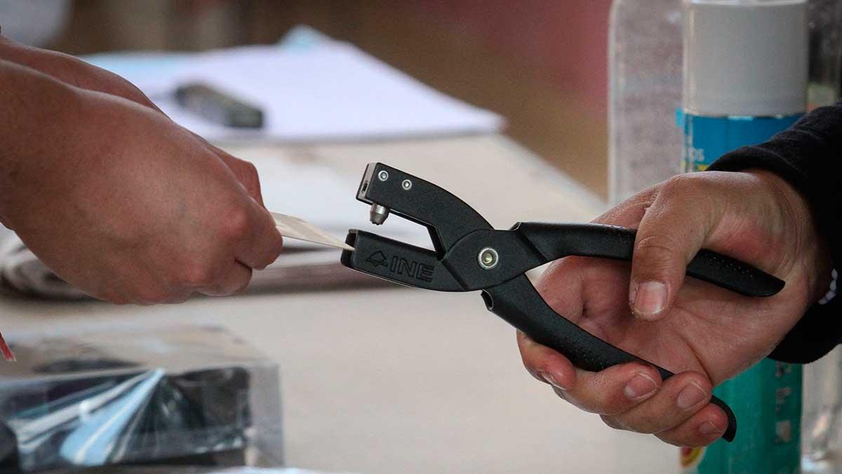 El INE confirmó que no se utilizará urna electrónica para consulta popular. Foto: Cuartoscuro