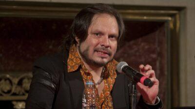Lino Nava, guitarrista de La Lupita, supera el cáncer; lo celebra con foto