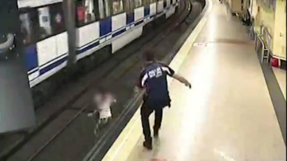 Mujer Metro Madrid
