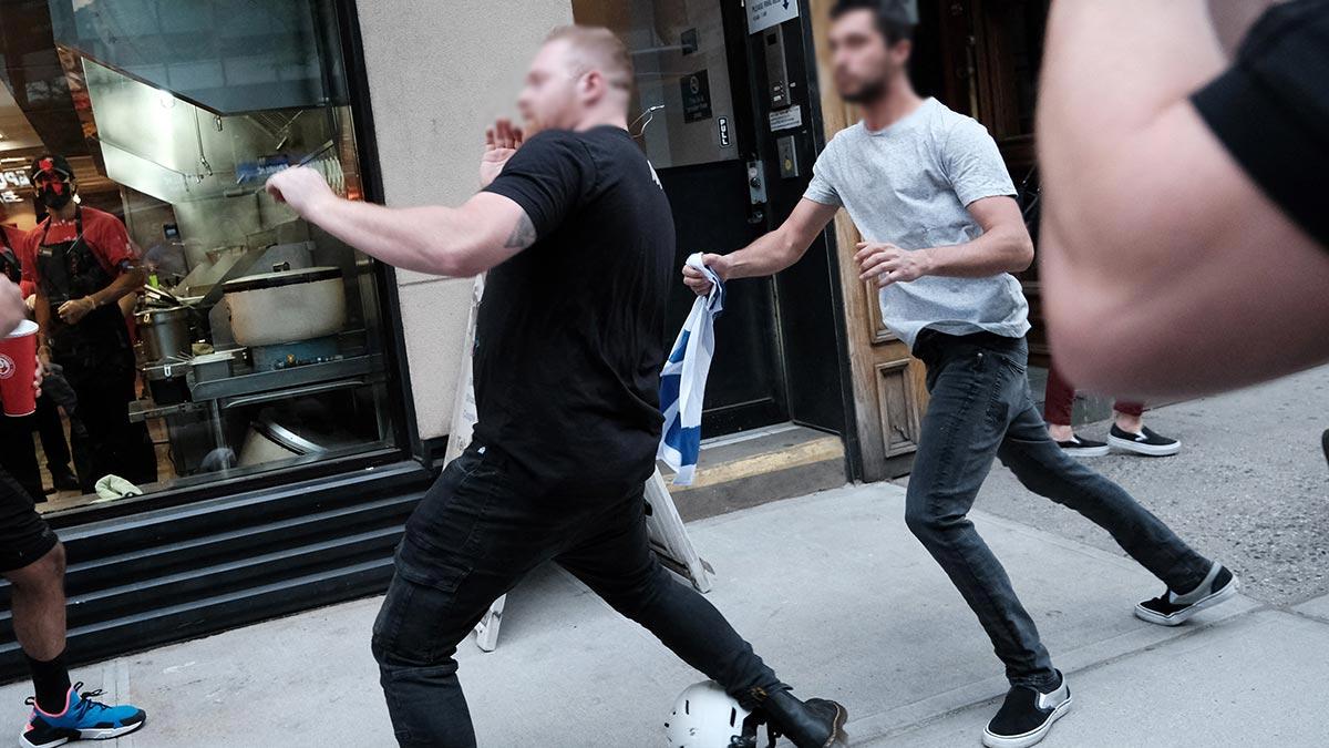 Video: Con este knockout aplacan a bravucón racista