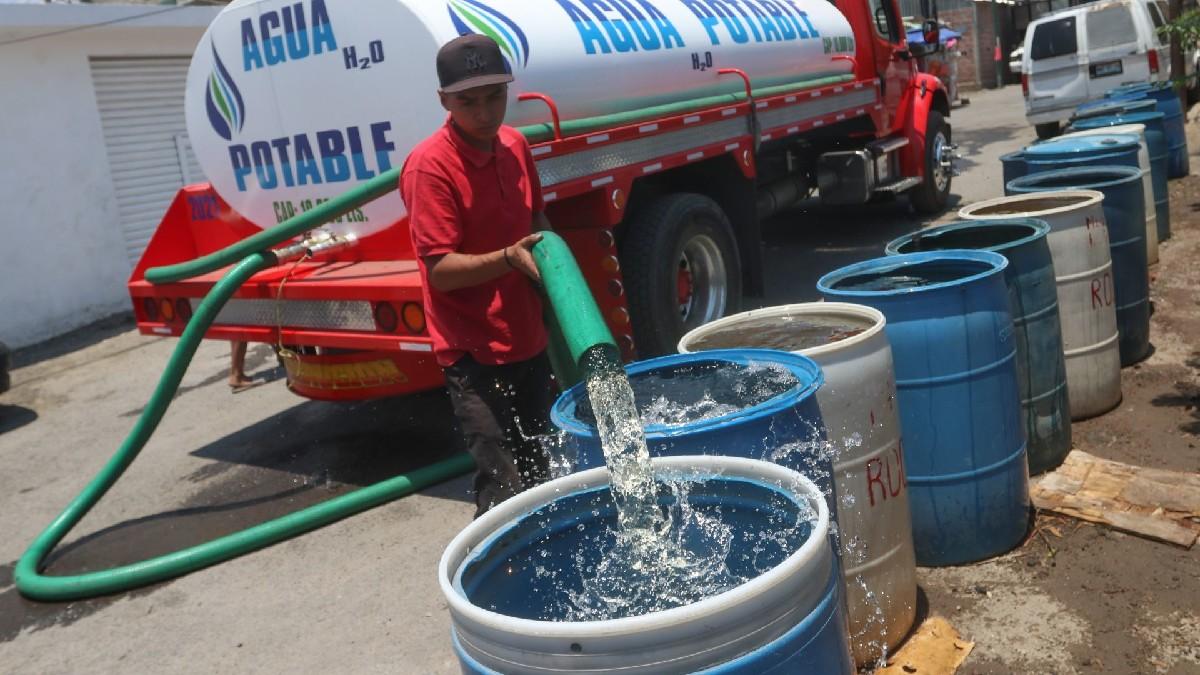 Reducción de agua en CDMX y Edomex; ve cómo pedir una pipa