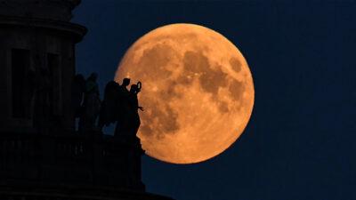 luna de fresa imágenes