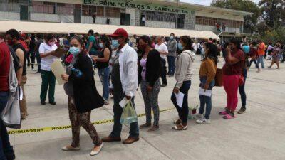 Tijuana: desplazados por violencia en Michoacán se vacunan en frontera