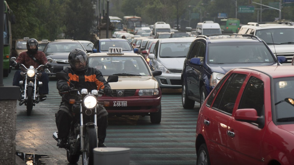 CDMX: Aprovechan tráfico por lluvia en Mixcoac para asaltar