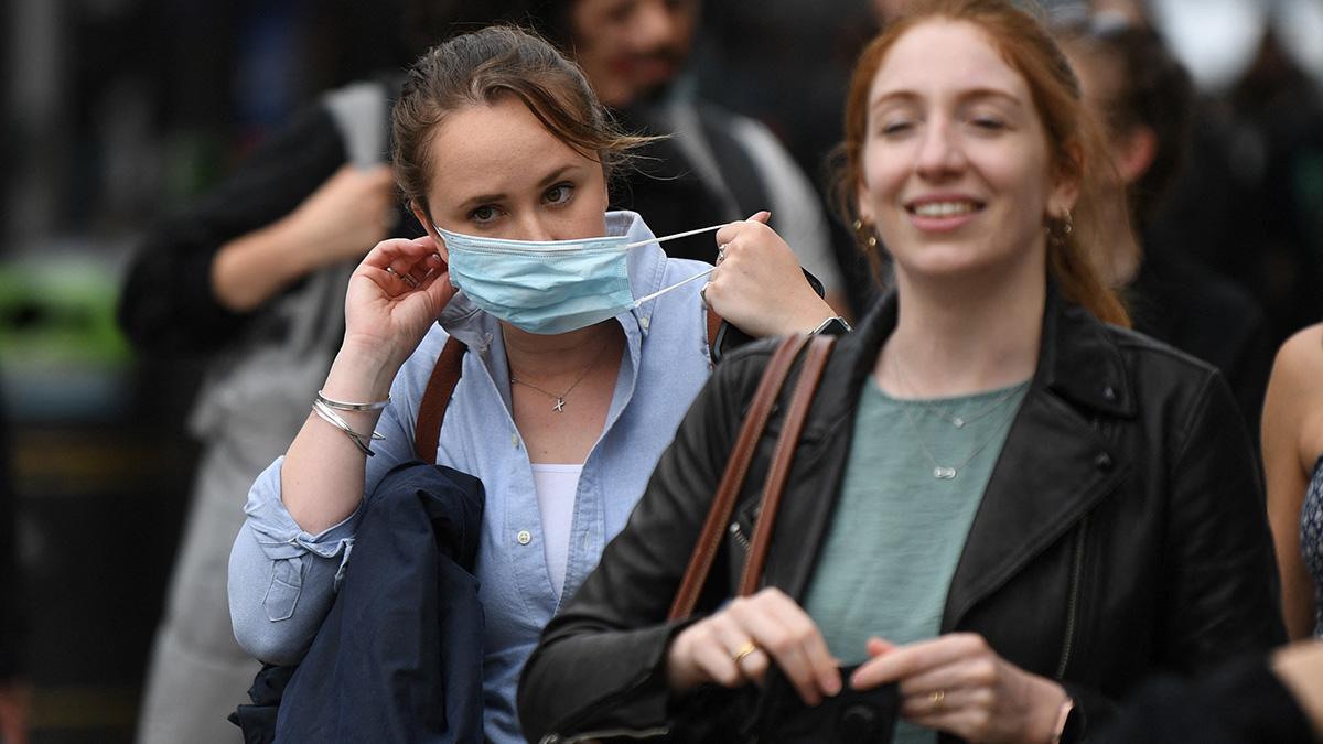 En Inglaterra dejará de ser obligatorio el uso de cubrebocas desde el 19 julio