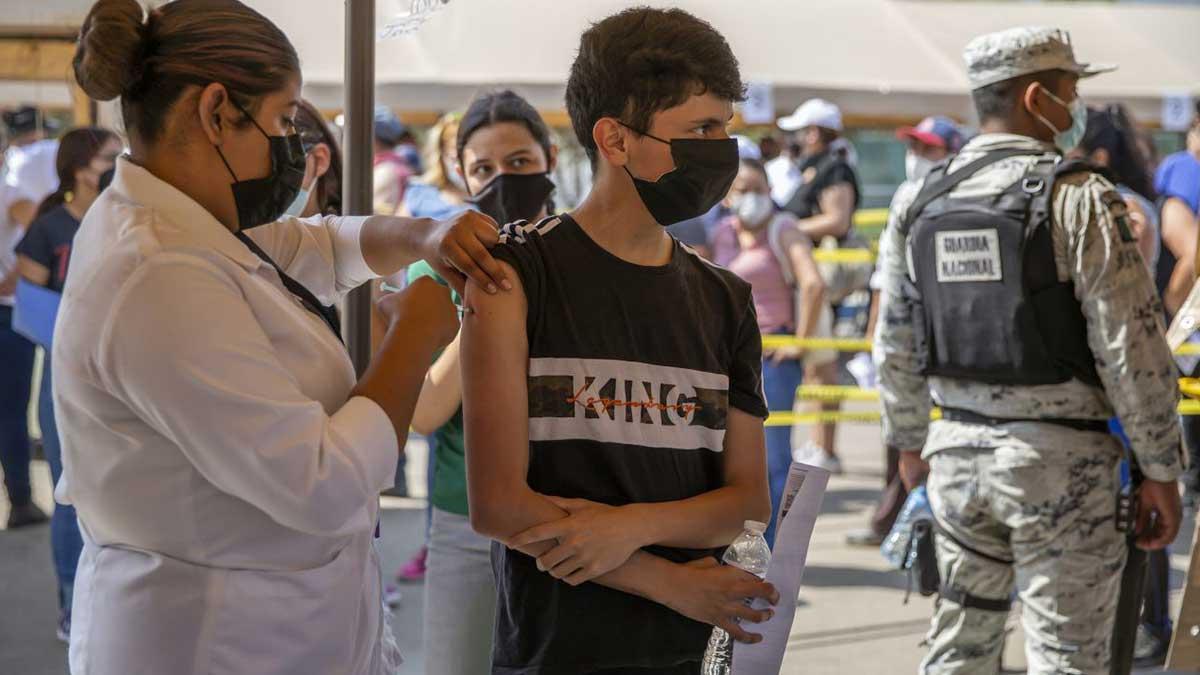 Aguascalientes vacuna mañana contra COVID a personas de 18-29 años