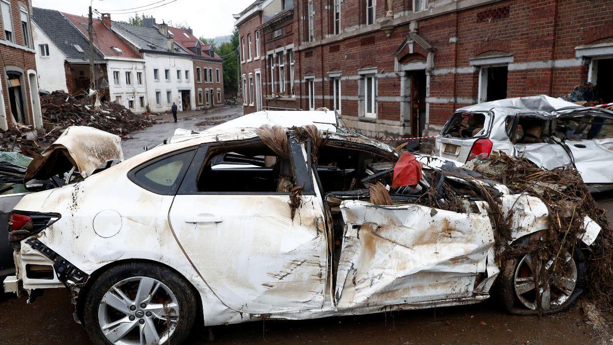 Bélgica: inundaciones provocan graves daños en Dinant