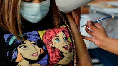 CDMX descubre trampa de jóvenes para vacunarse contra COVID-19
