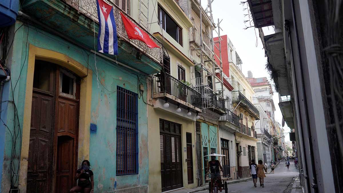 El gobierno le autorizó a los cubanos ingresar al país alimentos, productos de higiene y medicamentos. Foto. Reuters