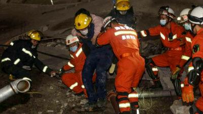 En China, derrumbe de un hotel deja al menos un muerto y 10 desaparecidos