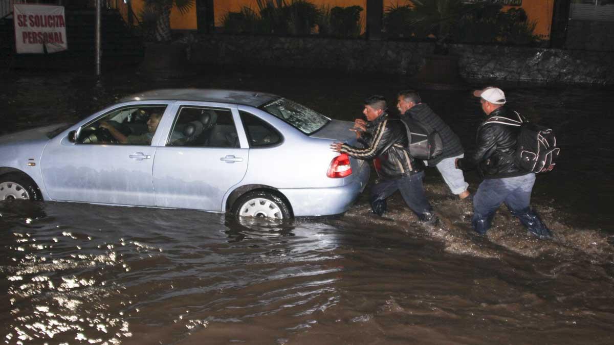 Edomex: 400 viviendas y hospital dañados por lluvias