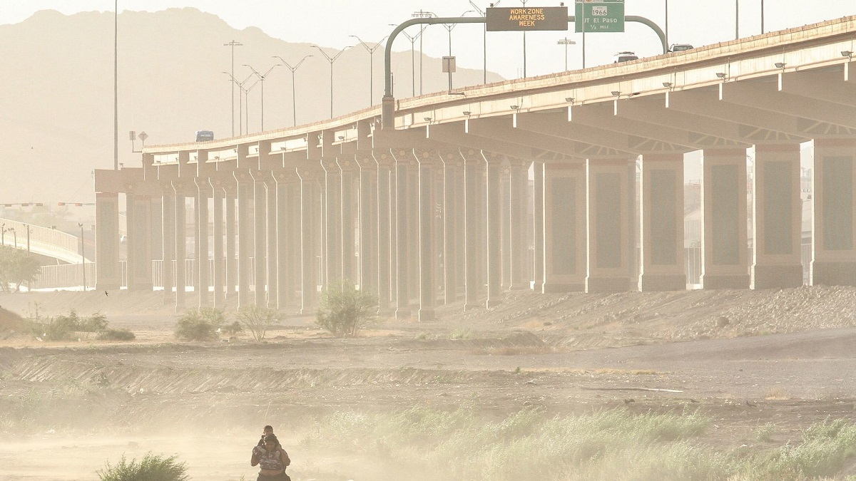 Migración: Dakota del Sur despliega personal de seguridad a frontera de EU y México