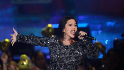 Alejandra Guzmán asegura que la han operado 40 veces