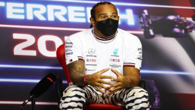 Hamilton renueva dos temporadas con Mercedes, hasta 2023
