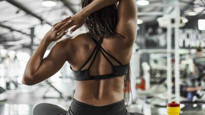 "Impiden a modelo fitness subirse a un avión por utilizar ""ropa ofensiva"""