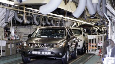 Profeco y Nissan llaman a revisar autos por una posible reacción química