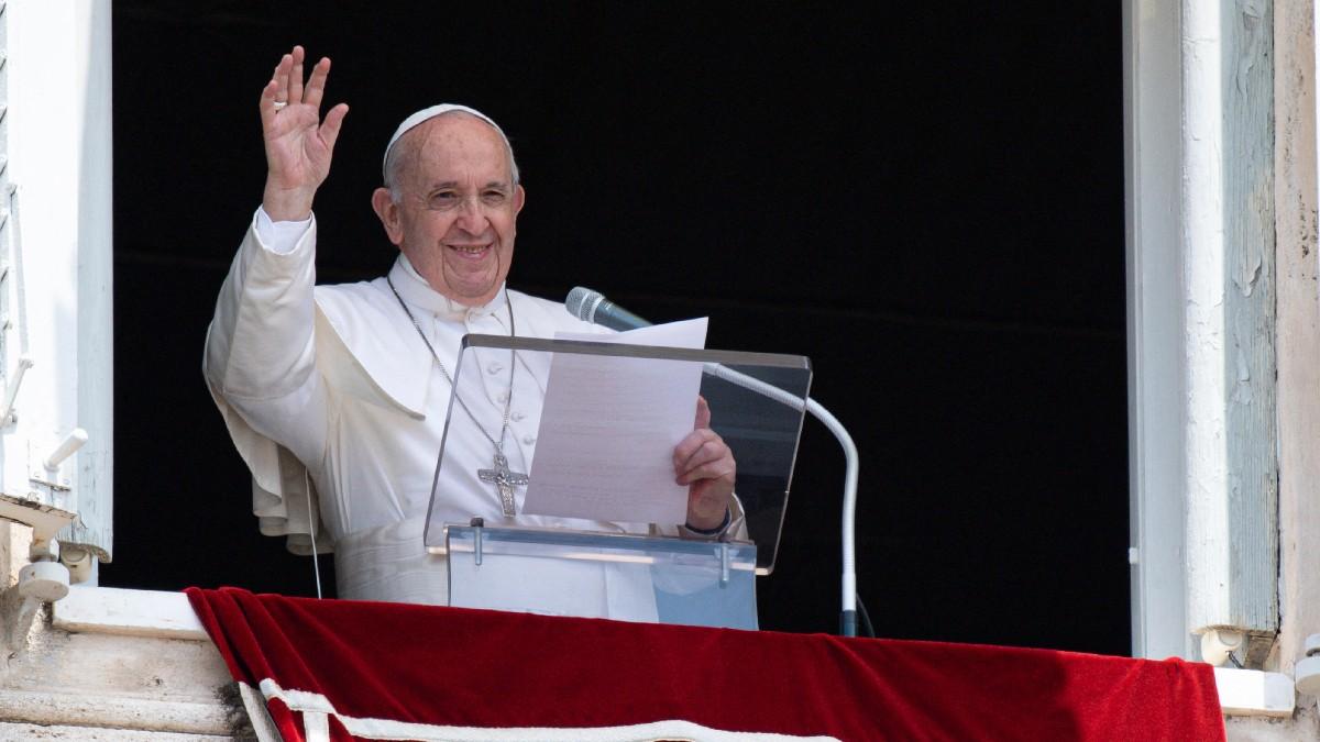 Papa Francisco: Tras operación, su salud evoluciona con normalidad