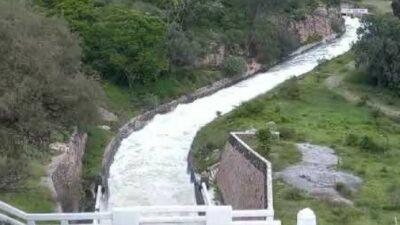 Puebla: Reportan espuma tóxica en Presa de Valsequillo