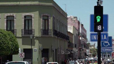 Querétaro: muñeca Lele dará el siga en semáforos