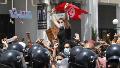 ¿Qué pasa en Túnez y por qué preocupa a la Unión Europea?