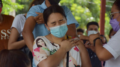 En México, personas vacunadas ya no serán consideradas vulnerables ante COVID-19