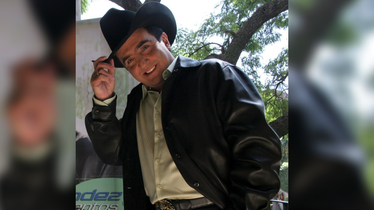 Vicente Fernandez Jr Novia