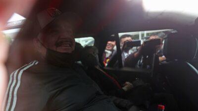 Vicente Fernández sale del hospital luego de tres días internado