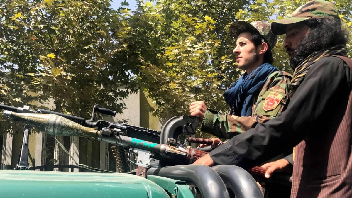 Afganistán: talibanes destruyen estatua de exdirigente político Abdul Ali Mazari