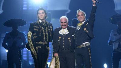 Alex Fernández confiesa que su abuelo, Vicente Fernández, se recupera y recibe visitas