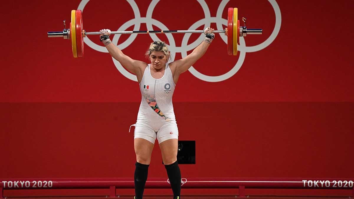 Aremi Fuentes, la pesista mexicana gana medalla de bronce en Tokio 2020