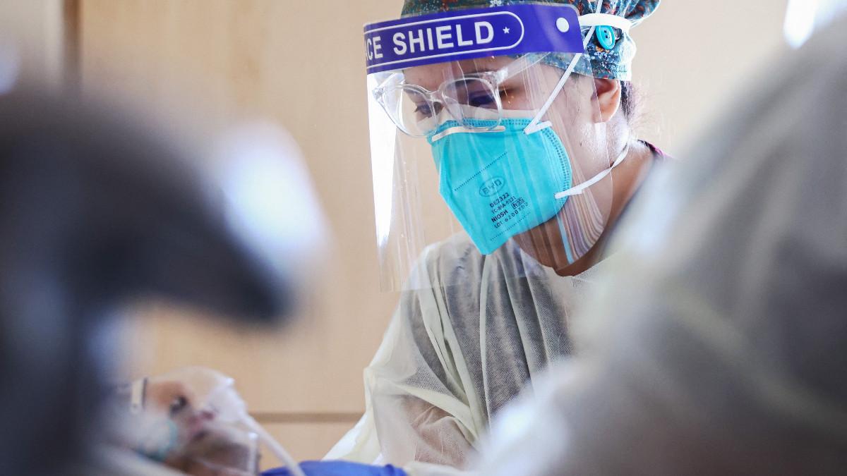 Estados Unidos registra nivel más alto de casos de COVID-19 en 6 meses