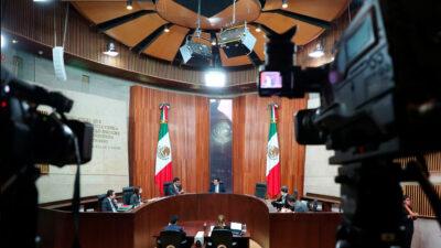 """Presidente del Tribunal Electoral acusa """"golpe de Estado""""; magistrados piden evaluar su desempeño"""