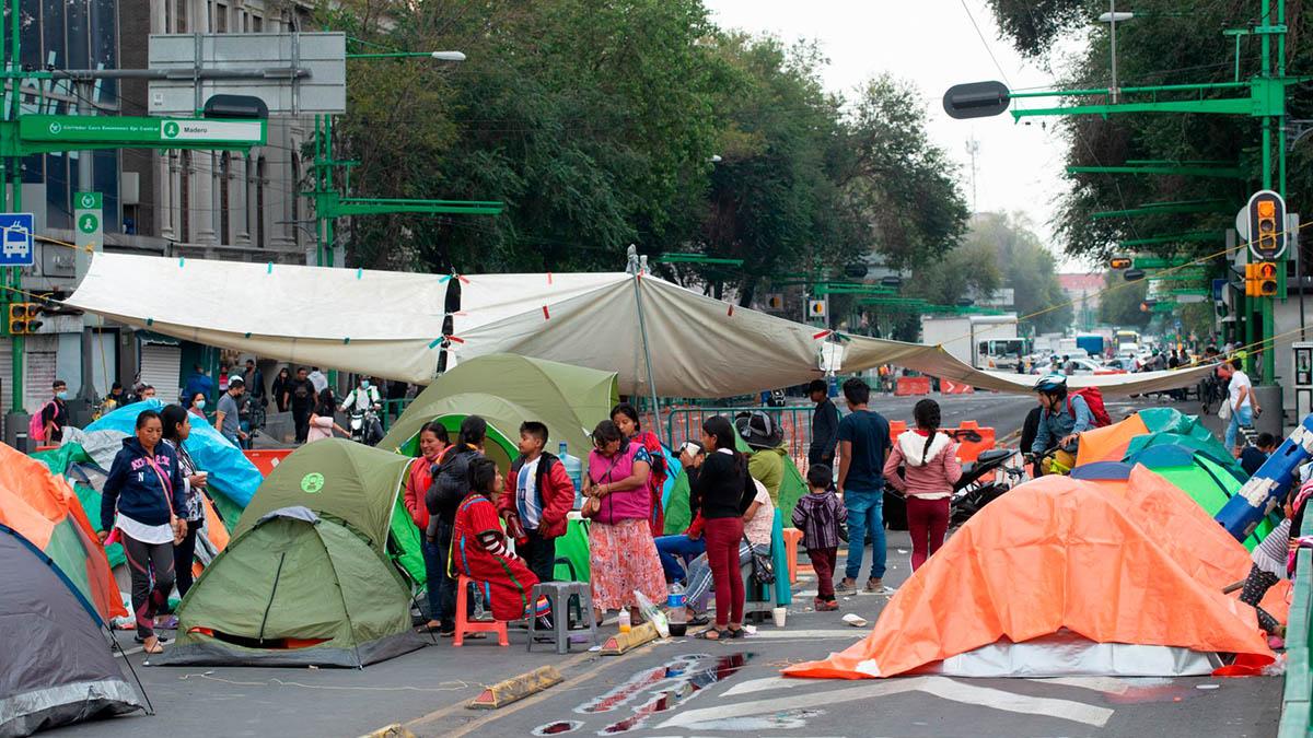 CDMX: Triquis regresan y reinstalan plantón en Eje Central; exigen cumplimiento de acuerdos