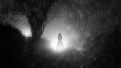 Supuesta mujer fantasma corre en carretera de México