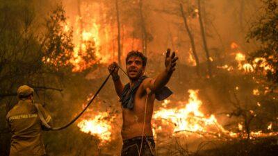Grecia incendios forestales: entre lágrimas y desesperación miles son evacuados