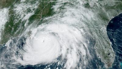 Huracán Ida toca tierra en EU; advierten daños catastróficos en Luisiana