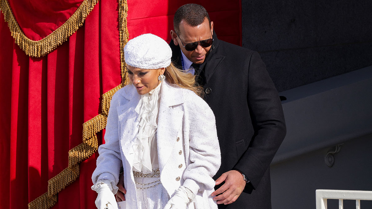 jlo returns a gift to alex rodriguez