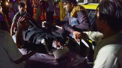 Hubo dos explosiones: una en la Abbey Gate y otra en un hotel cercano. Foto: AFP