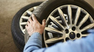 Profeco y Continental llaman a revisión por fallas en llantas de autos