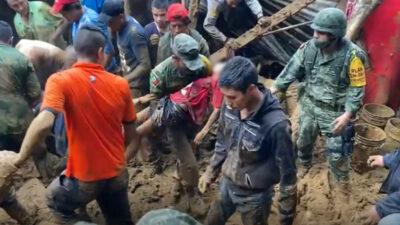 Sedena rescata a menor con vida tras deslave provocado por Grace en Veracruz