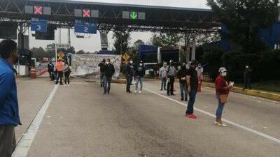 Michoacán: Maestros de la CNTE liberan casetas y toman oficinas