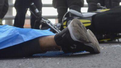Iztapalapa: Captan fuerte choque de motocicleta; mueren jóvenes
