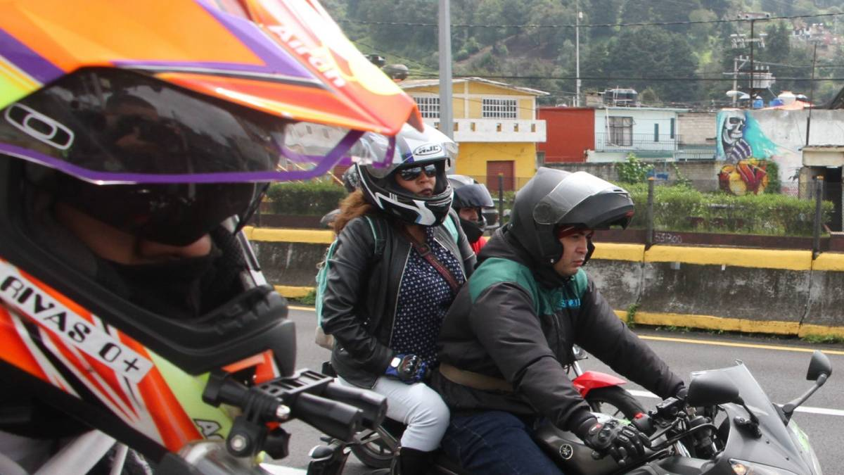 caravana motociclistas México Cuernavaca