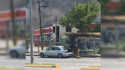 Nuevo León: Bombero se viraliza tras incendio en fábrica de Santa Catarina