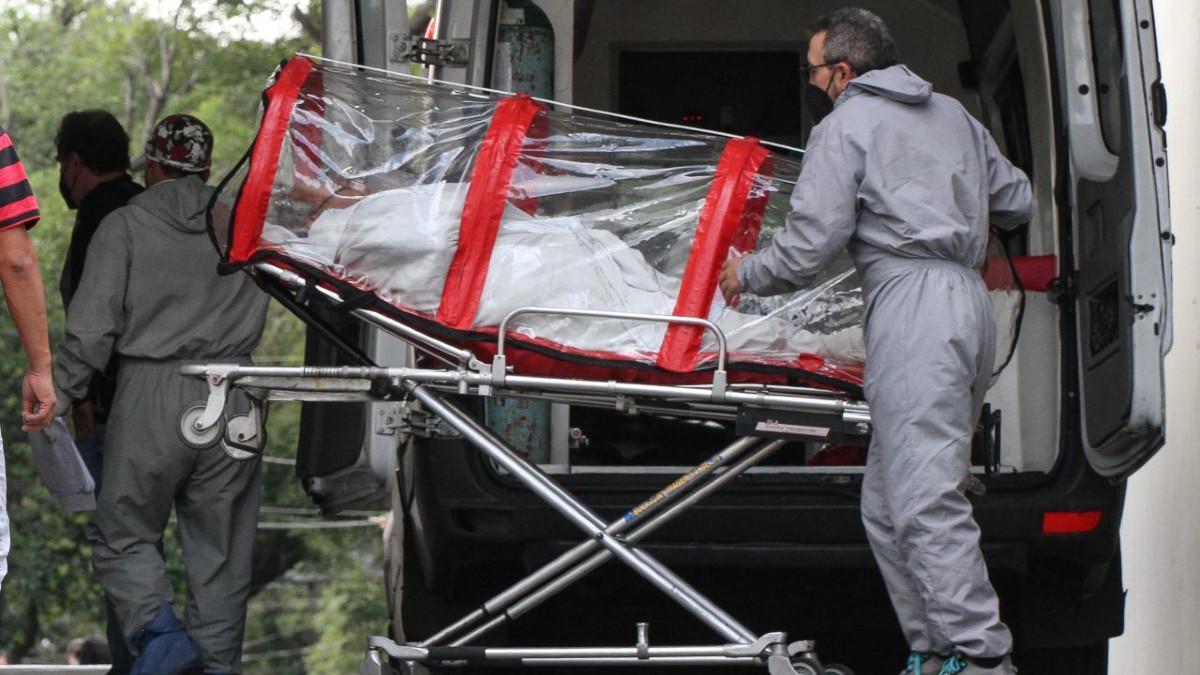 Paciente COVID se avienta de tercer piso de hospital en CDMX